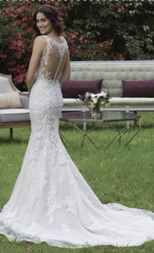 Sincerity '3946' size 6 new wedding dress
