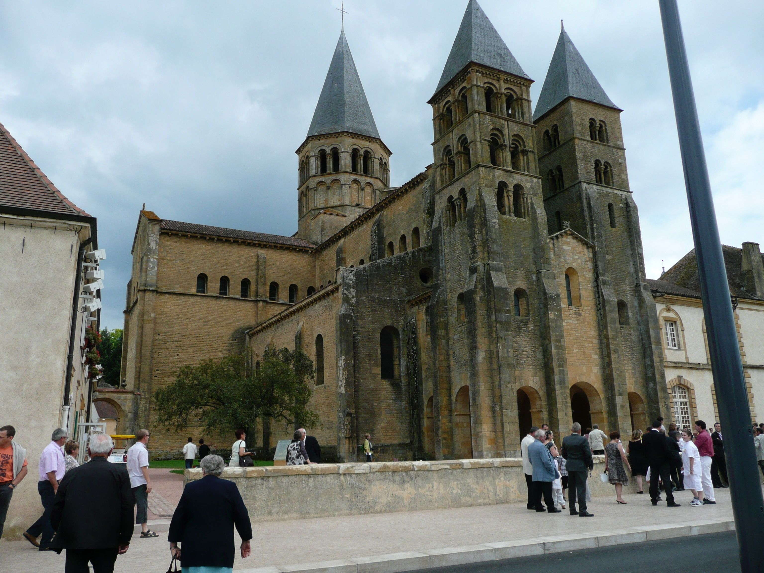 Architecte Paray Le Monial paray-le-monial, sacré-cœur basilica, built in the second
