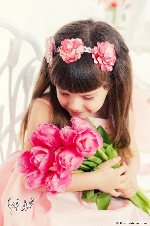 صورة اجمل طفلة صور بنات كيوت روعة بنوتة هادية رومانسية جميلة Girls With Flowers Beautiful Little Girls Pink Tulips