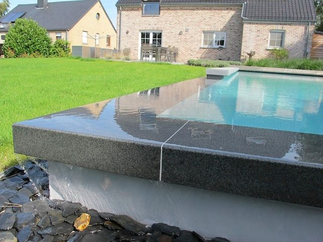 Piscines avec d bordement piscines ondine piscine pinterest piscine piscine spa et for Piscine avec spa a debordement