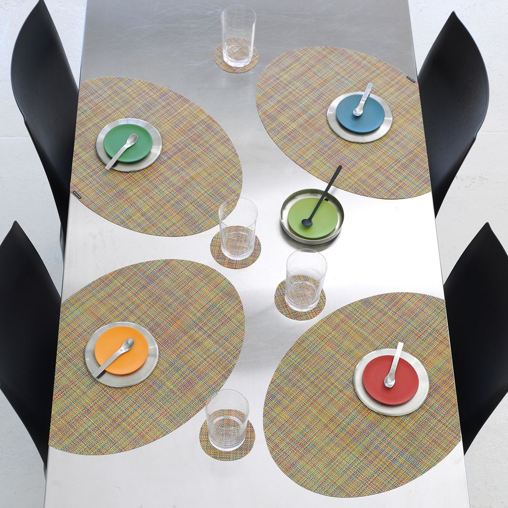 Make A Bold Statement With Onedge Placemats Holiday Table Settings Table Setting Inspiration Elegant Table Settings