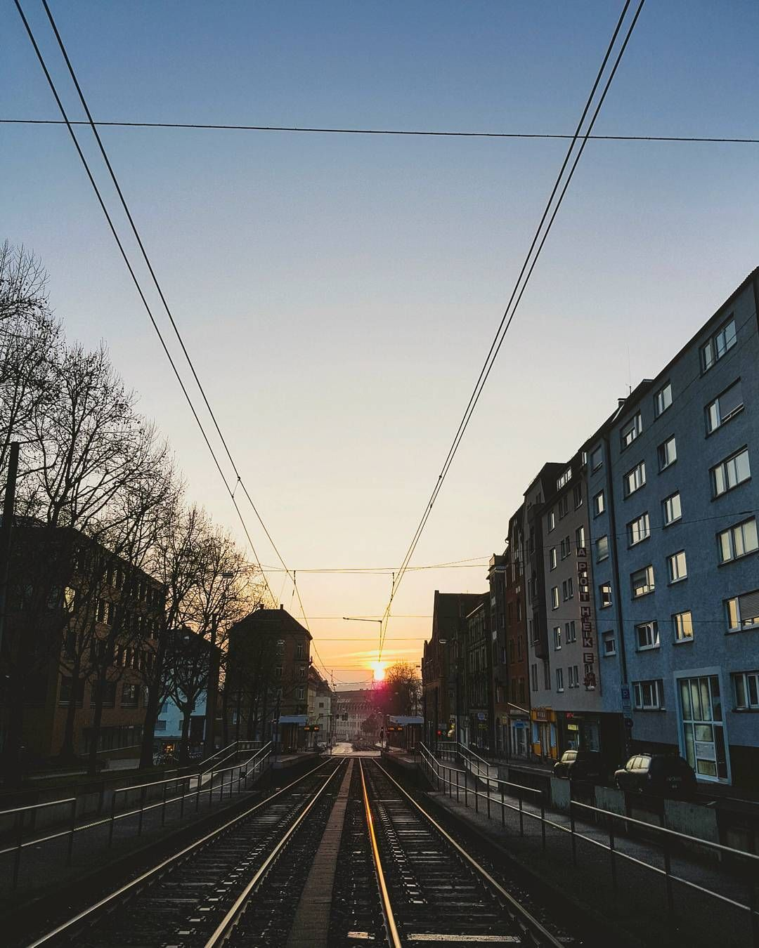 Rise and shine #stuttgart 🌇 #morning in #stuttgartcity  #ig_stuttgart #ig_deutschland #stuttgartliebe #enjoystuttgart #visitstuttgart #deutschland_greatshot #stuggi #stuggilove #0711