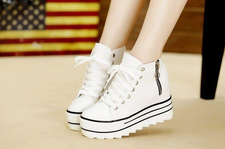 f2fe8466dd5e5 Aliexpress.com  Comprar Nueva Moda Para Mujer de Tacón Alto Plataforma  Zapatos de Lona Ascensores Blanco Negro High Top Casual Zapatos de Mujer  con ...