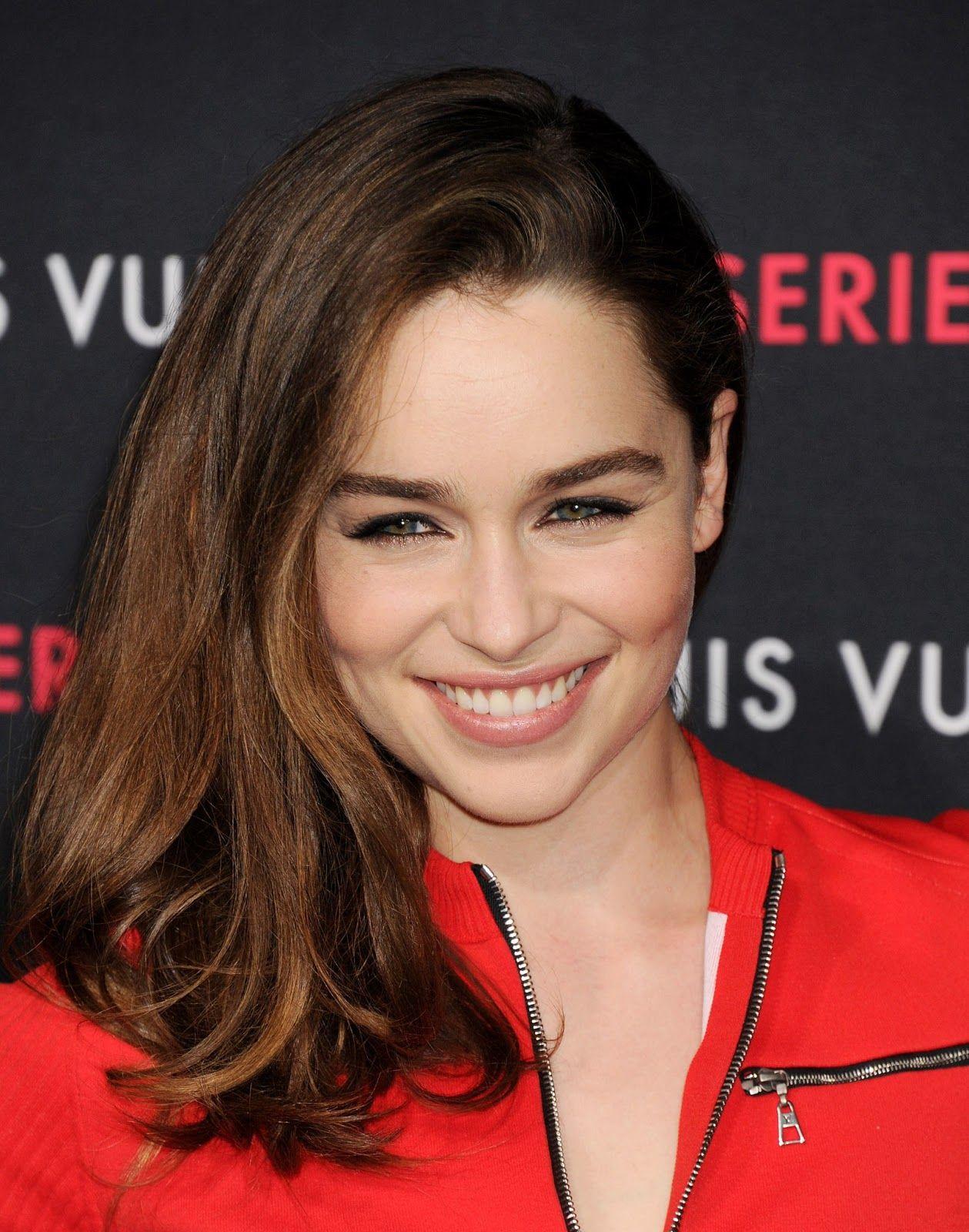 Terminator Genisys Actress Emilia Clarke Full HD Images ...