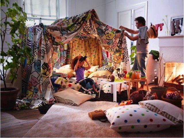 Постройте с детьми шалаш из одеял и подушек! А какой вариант вам ...
