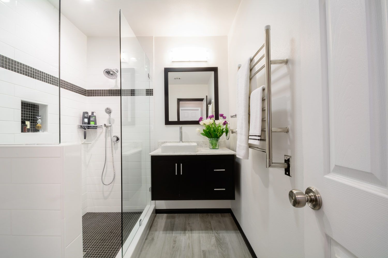 Featured Bathroom Design Gallery - Page 1 | Bathroom designs, Bath ...