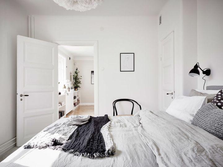 Elegantes puertas correderas dobles de paso al sal n for Decoracion habitacion blanca