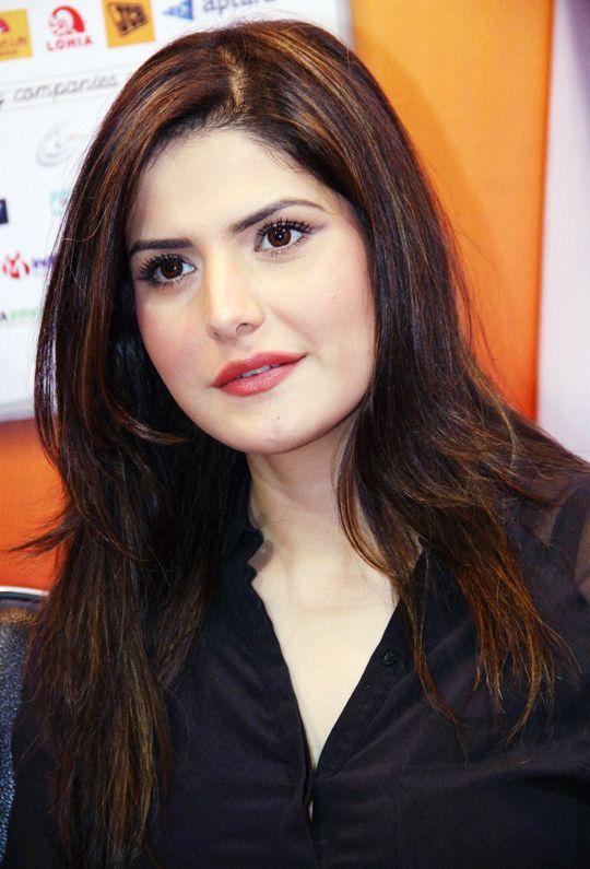 Pin On Bollywood Beautiful wallpaper zareen khan