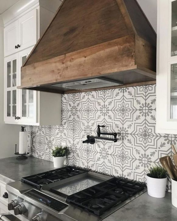 Amazing Modern Farmhouse Kitchen Backsplash Ideas 17 - 99BESTDECOR #modernfarmhouse