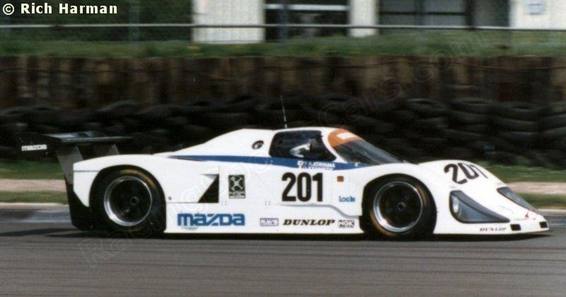 ボード「Mazda」のピン
