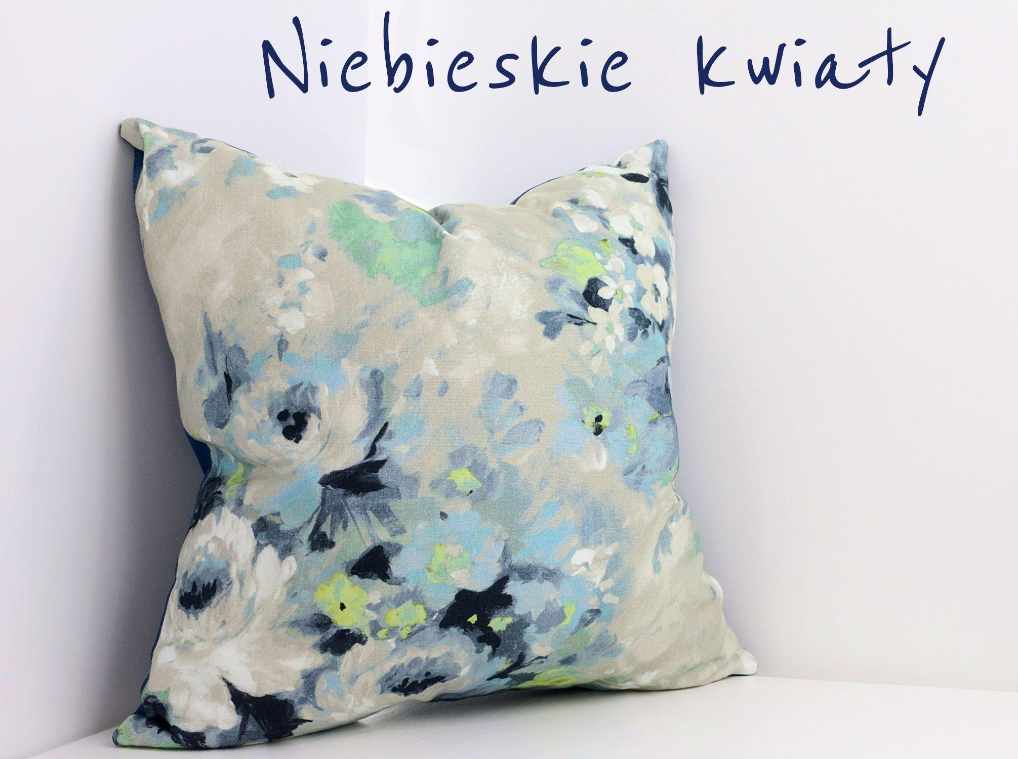 Poduszka Dekoracyjna W Malowane Kwiaty Kwiatowe Wzory Sa Bardzo Modne Ozywiaja Wnetrza I Dodaja Im Energii Wpasuja Sie W Kazde Wne Pillows Throw Pillows Bed