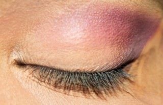 Photo of Stunning Plum And Bronze Eye Makeup – Tutorial With Detailed Steps And Pictures