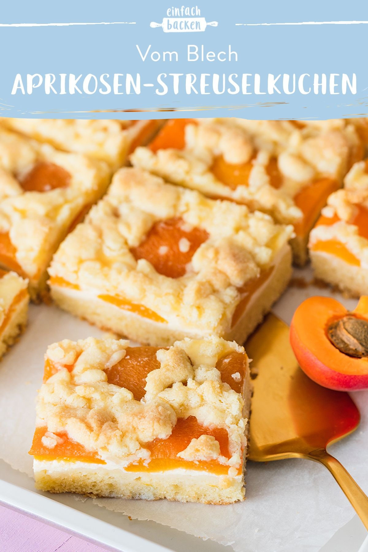 Aprikosen-Blechkuchen mit Streusel