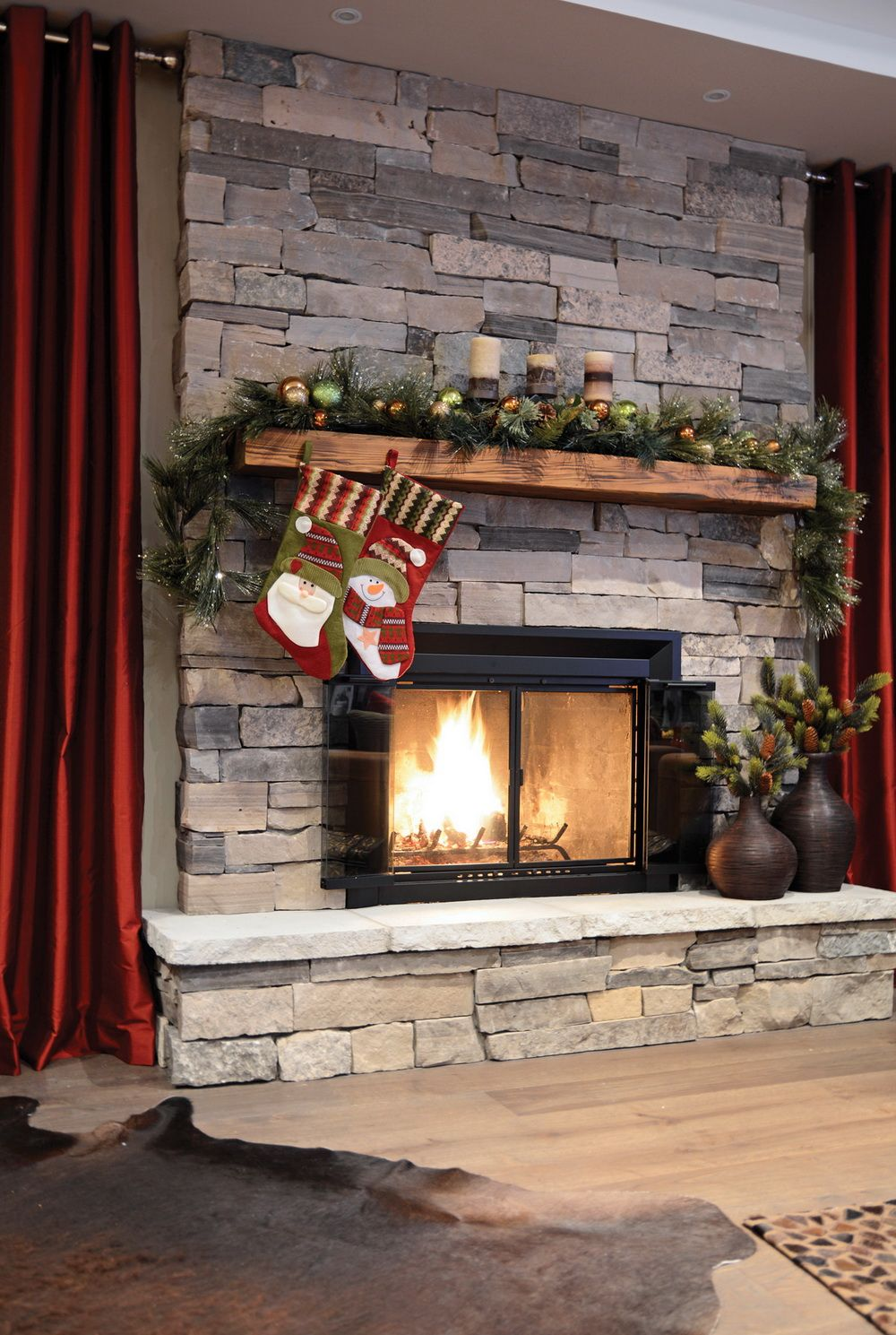 Holiday Fireplace Decorations - Stone Selex - St. Clair Ledge Stone, Natural Stone Veneer