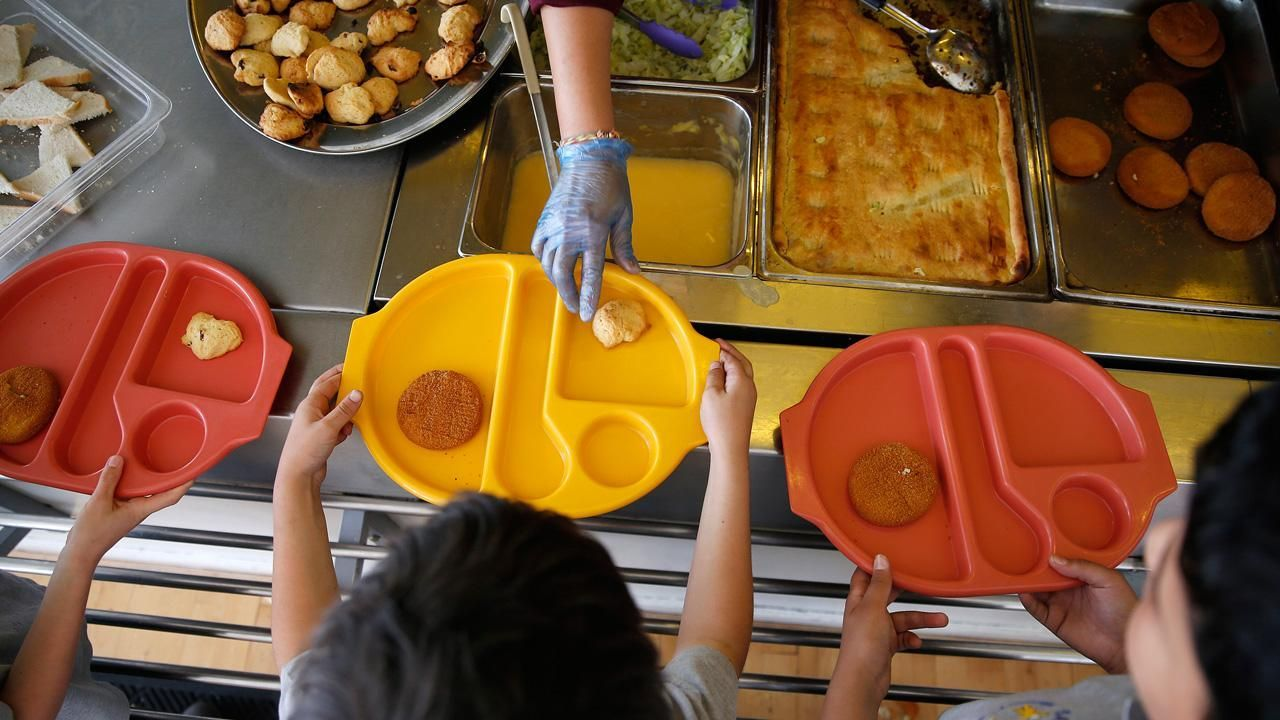 Lawmakers push to end 'lunchshaming' at schools Food