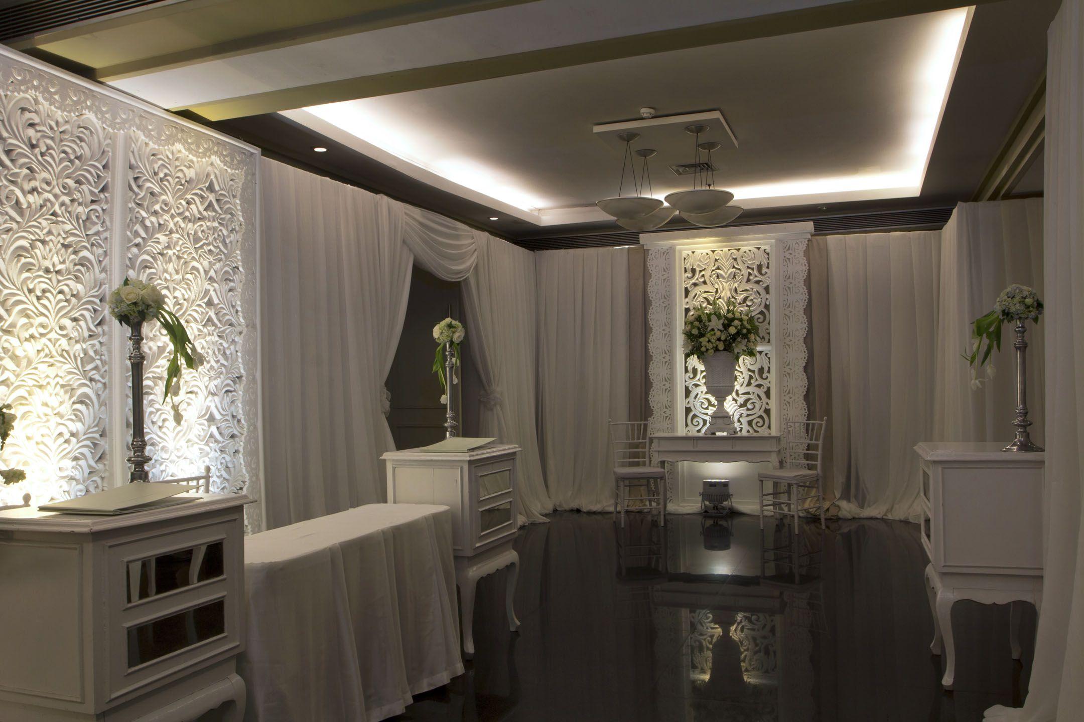 White Entrance #Decor #Mawarprada #Dekorasi #Pernikahan #Elegant #Pelaminan