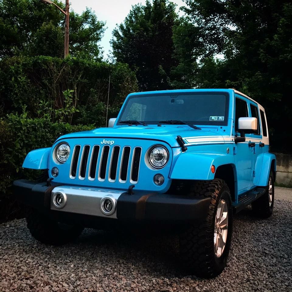 Pin By Suzanne Lykins On Vroom Vroom With Images Blue Jeep