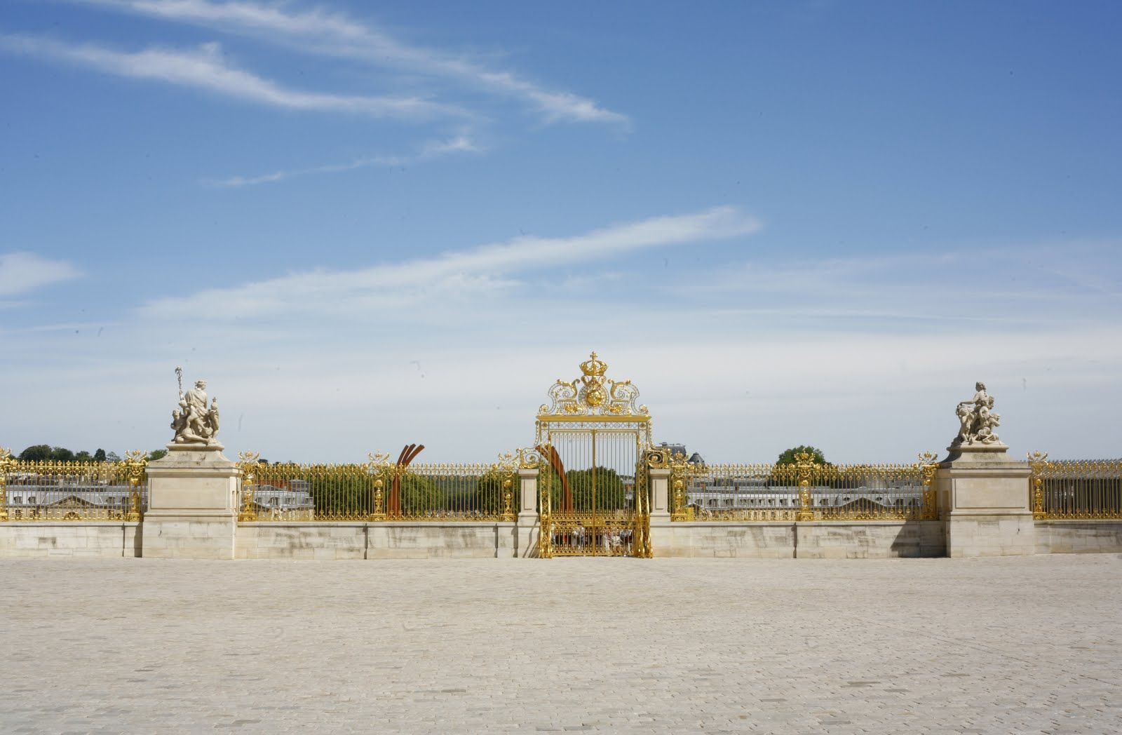 Inside the gates of Versailles looking out, Versailles, France - Photo by tara bogart