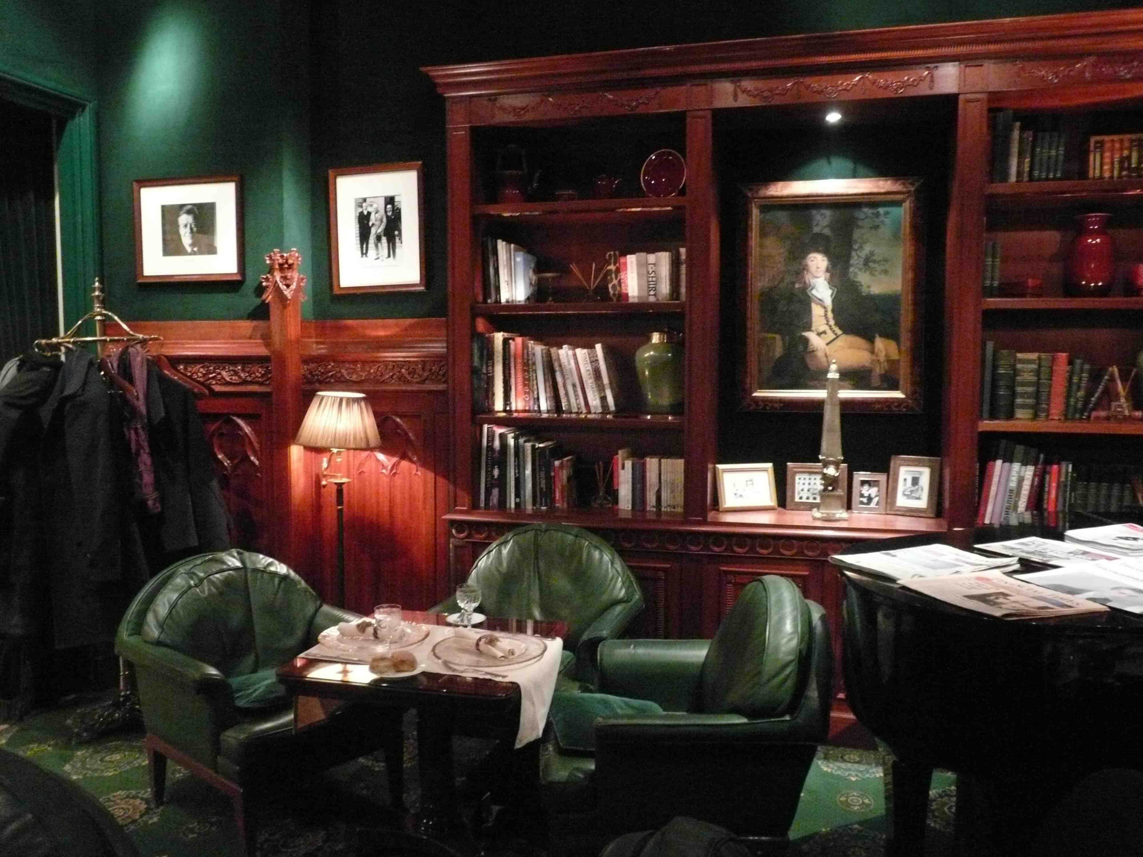 plus qu une passion le salon anglais monfauteuilclub. Black Bedroom Furniture Sets. Home Design Ideas