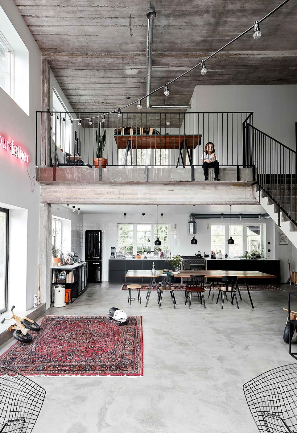 A Ski Factory S Industrial Chic Loft Home Conversion Industrial Loft Design Industrial Home Design Rustic Home Interiors