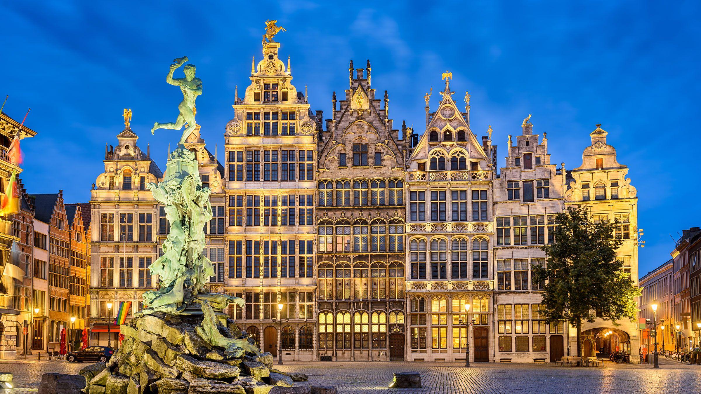 La hermosa Plaza Mayor de Amberes, Bélgica | Destinos viajes ...