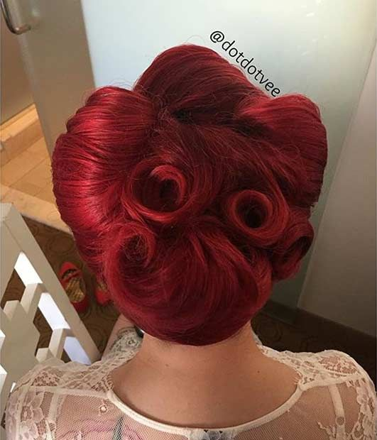 21 Pin Up Hairstyles That Are Hot Right Now Updo Rolls And Rockabilly