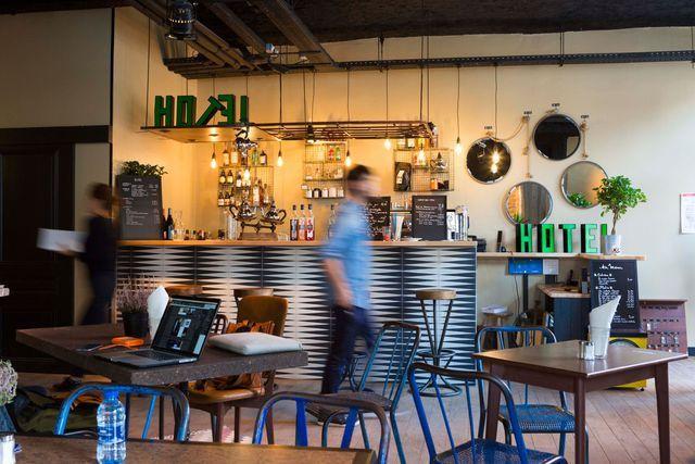 Idee Deco Des Bars Et Restaurants Pour S Inspirer Resto Terrasse Bar Maison D Hotes
