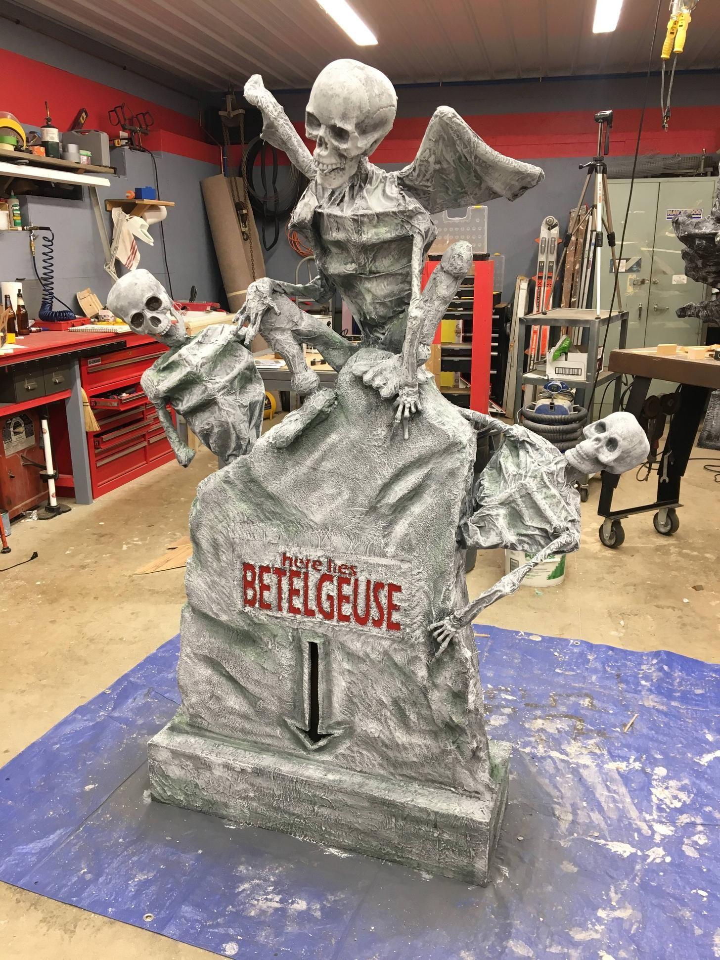 BEETLEJUICE TOMBSTONE DIY w Lights Beetlejuice halloween