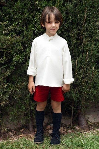 Camisa niño en popelin blanco, cuello mao, manga larga.