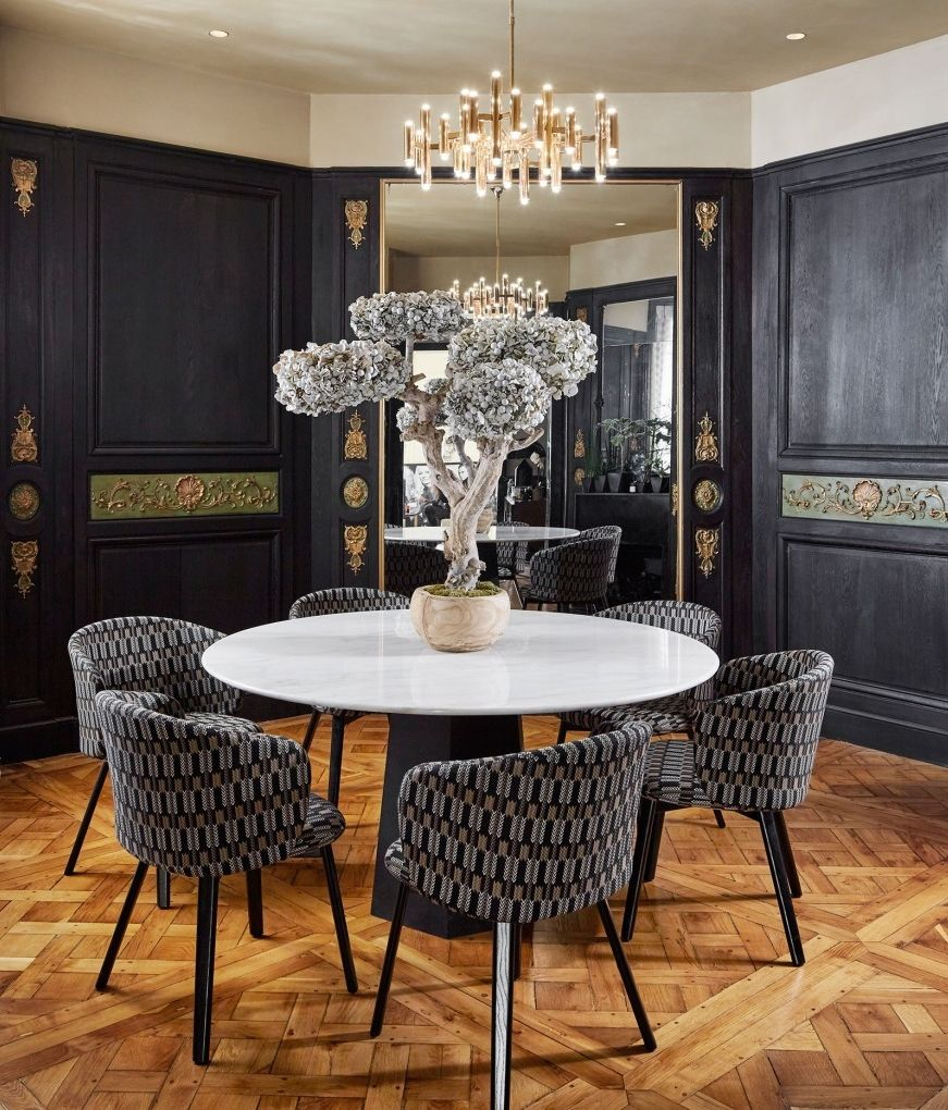 Old World Dining Room Chandeliers: A Classic Parisian Apartment That Blends Old And New