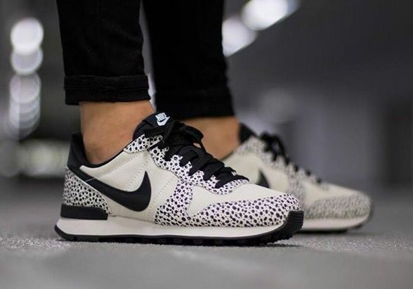 nike internationalist femme light bone