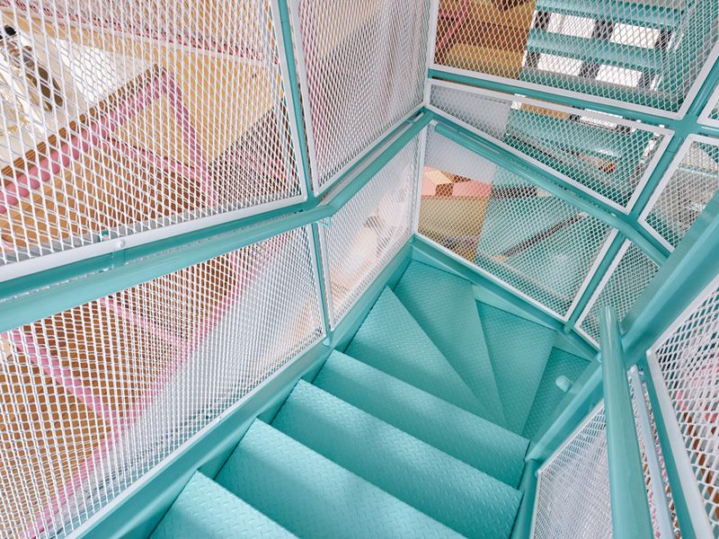 Turqouise Stairs // A Colorful Burger Restaurant Opens In Paris