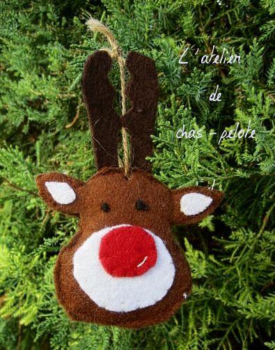 Ornement de Noel réalisé grace au tuto : http://www.petitcitron.com/blog/2014/11/10-ornements-de-noel-a-coudre/#.Vhh7yhNViko