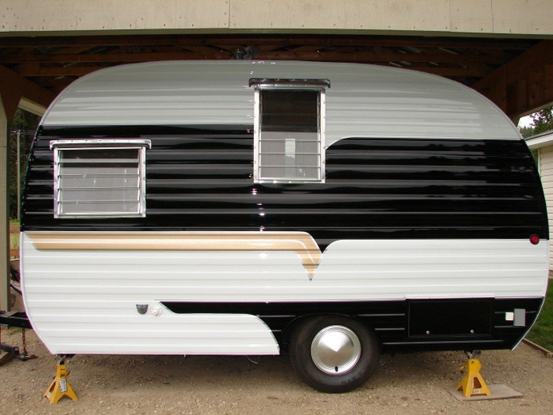 50 Camper Paint Exterior Remodel And Makeover For Your Rv Living 39 Vintage Travel Trailers