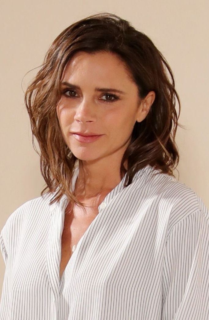 Here's Your 1st Look At Victoria Beckham's Collection For ... Victoria Beckham