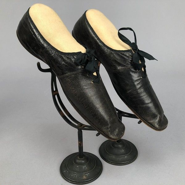 LOT 152 TWO PAIR LADIES LACING SHOES, 1840s