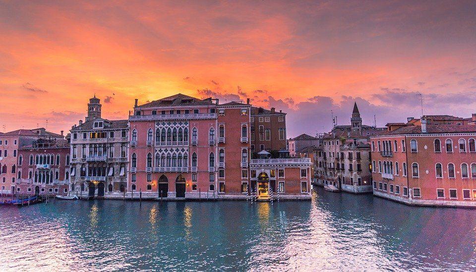 Venise Lisbonne La Normandie Pour Un Weekend En Amoureux Vacances Romantiques Sejour En Amoureux Et Vacances Italie