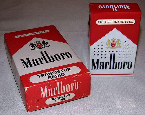 Vintage Marlboro Cigarettes Novelty Transistor Radio Model M 152