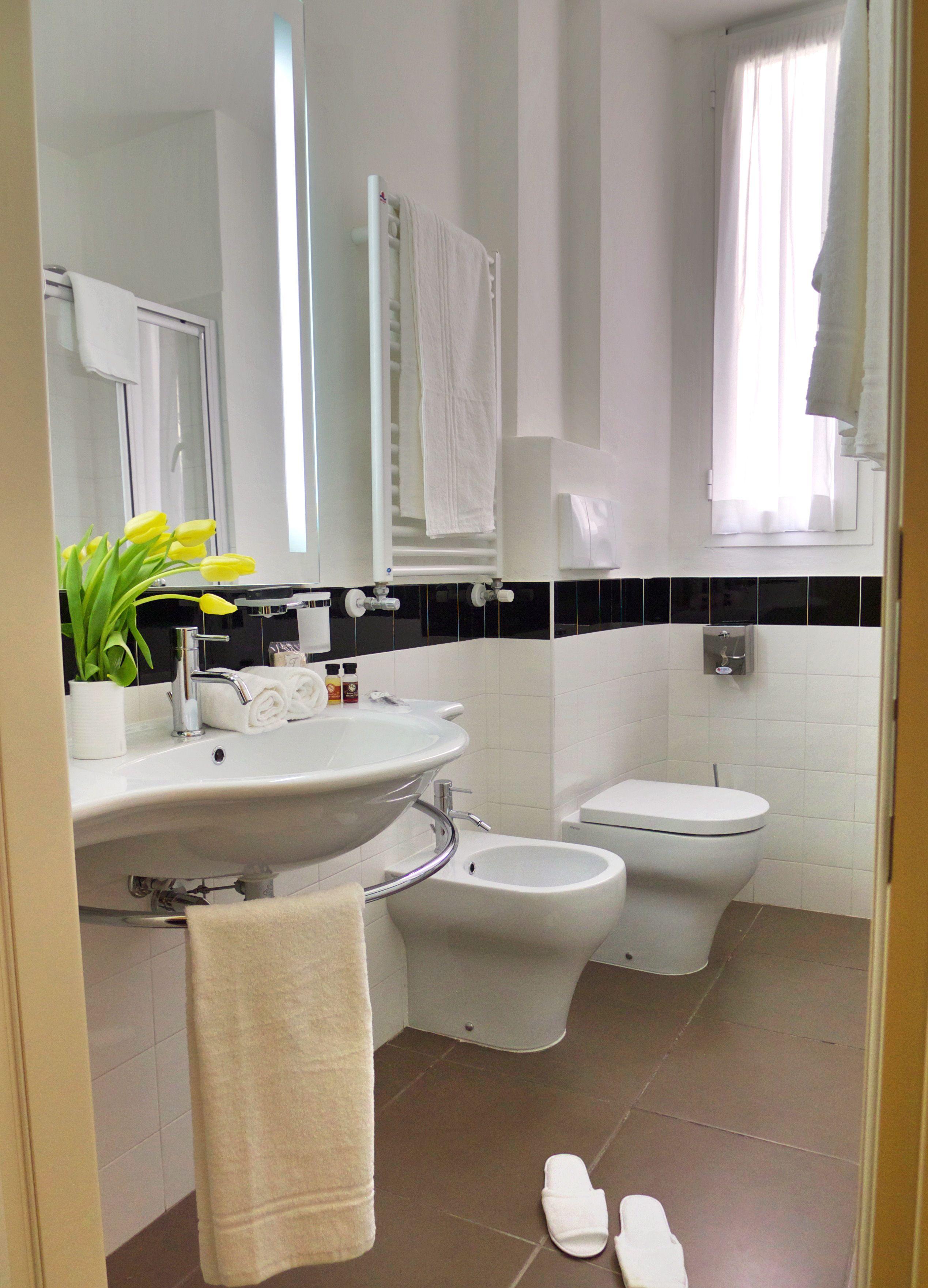 Ferton hotel toilet