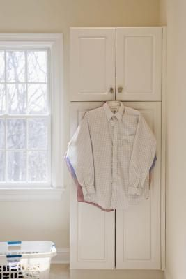 how to alter a men's button down into a fitted women's shirt