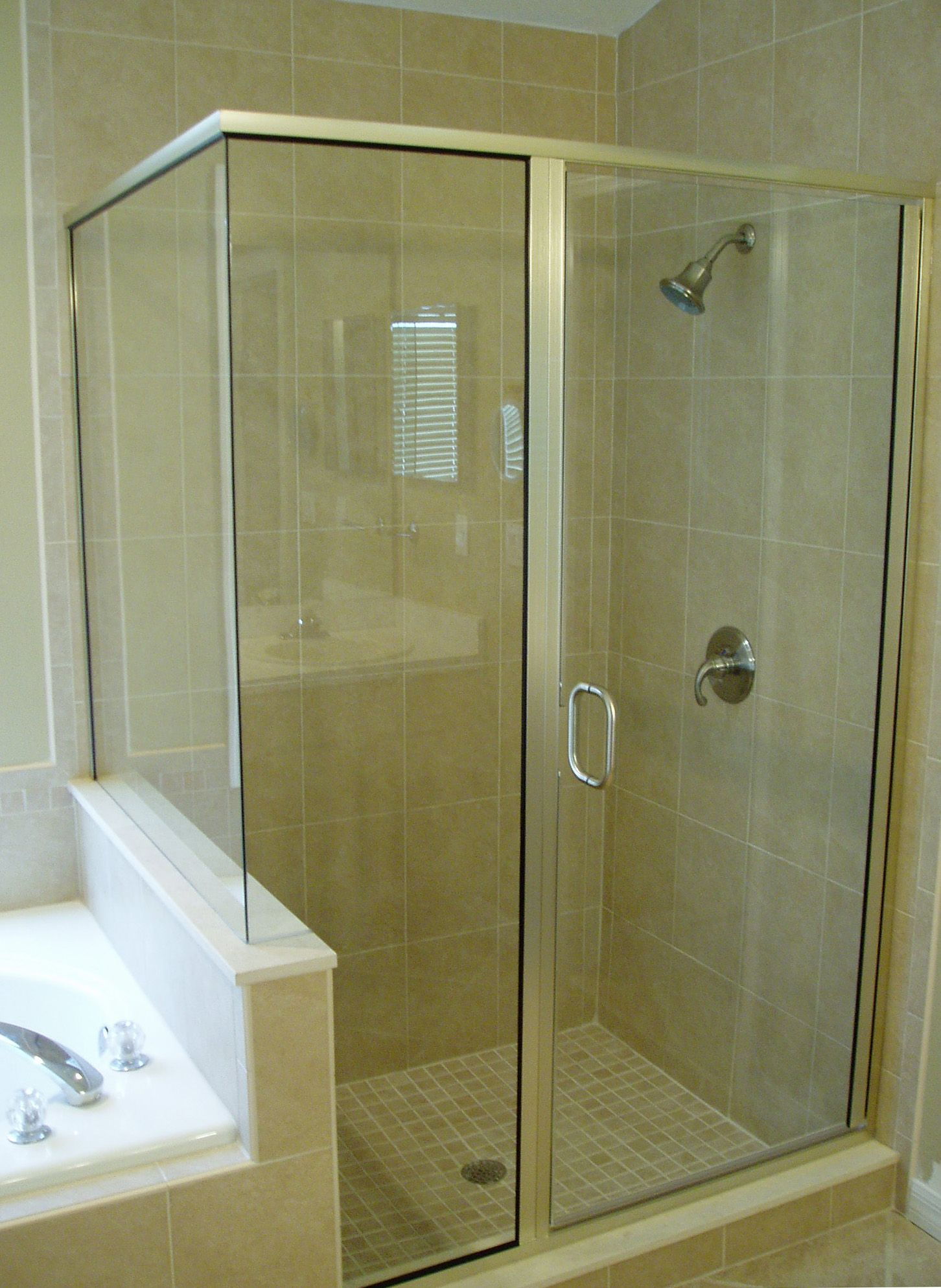A Semi Frameless Shower Notice No Trim At The Corner Joint And