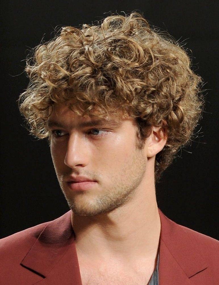 Mens Hairstyles For Men With Curly Hair And Round Faces Hairstyles For Men With Curly Hair Cool Men S Curly Hairstyles Wavy Hair Men Curly Hair Men