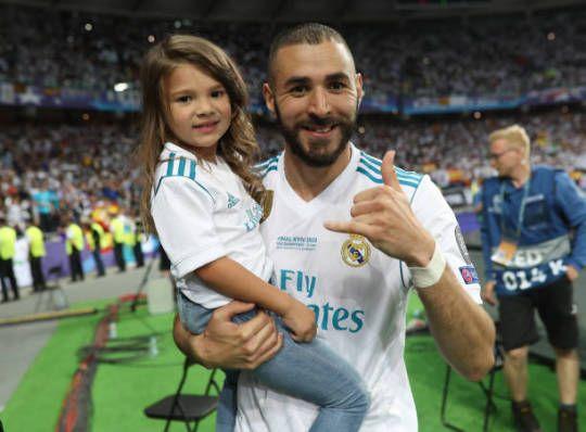 99b2fbd38 Karim Benzema with his daughter Melia celebrates winning Champions League  in Kiev  ) (26 05 2018).  Melia Benzema  Karim Benzema  Real Madrid  Little  ...
