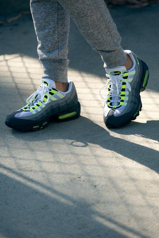 sale retailer 19b54 58742 Sneakers femme - Nike Air Max 95 neon (©AdrianneHo)