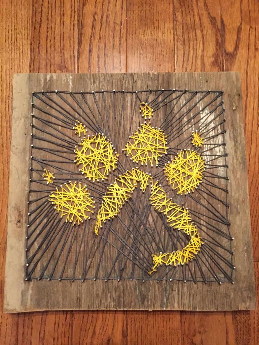 German Shepherd Paw Print String Art | string art ideas | Pinterest ...