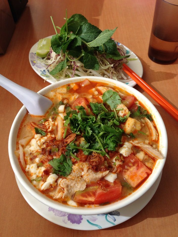 Best Vegan Vietnamese Restaurant In La House Special Soup Kevin Roll With Ham Curry Duck Soup Vegan Restaurants Soup And Sandwich Asian Cuisine