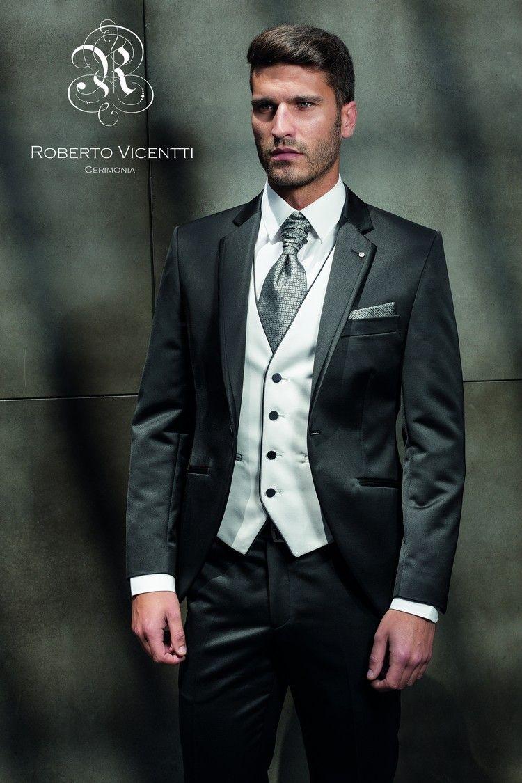 Ya disponible en tienda!! #robertovicentti #newcollection #novio #trajesnovio