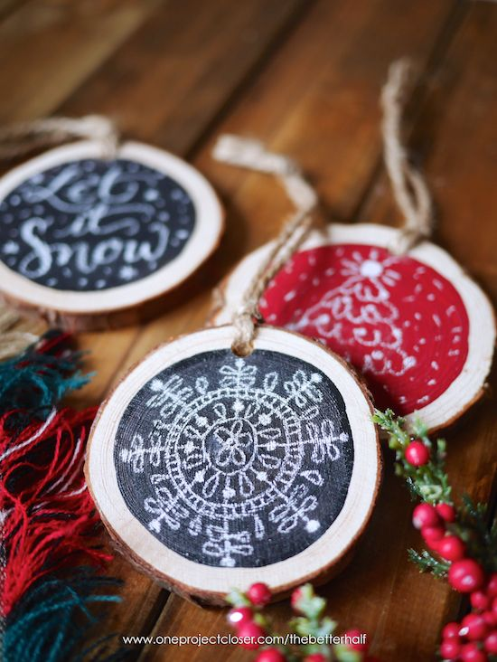 DIY Scented Wood Slice Ornaments with Printable Stencils - DIY Scented Wood Slice Ornaments With Printable Stencils Handmade