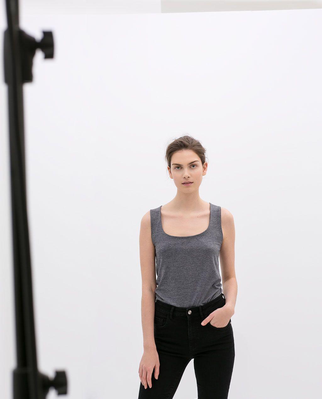 Afbeelding 1 van SINGLET MET BREDE BANDJES van Zara