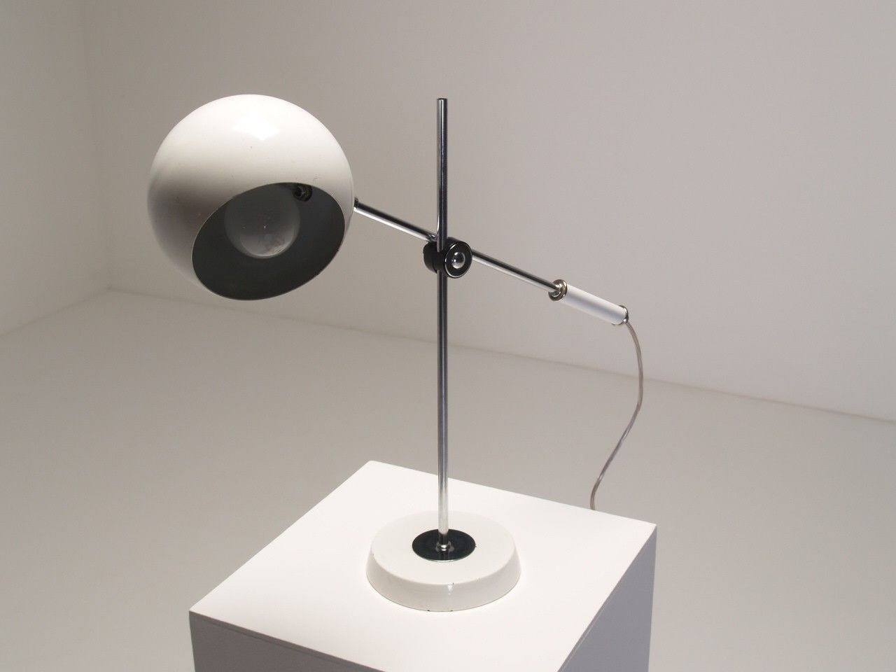 watch youtube home eyeball litecraft lighting your lamp table black